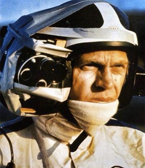 Стив Маккуин с камерой на шлеме